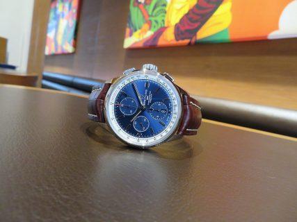 スタッフSのこの冬オススメの時計は、ブルーダイヤルのプレミエ クロノグラフ 42