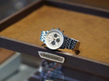 ブライトリング ブティック 大阪の副店長が選ぶフェア期間中のオススメ時計はナビタイマー!