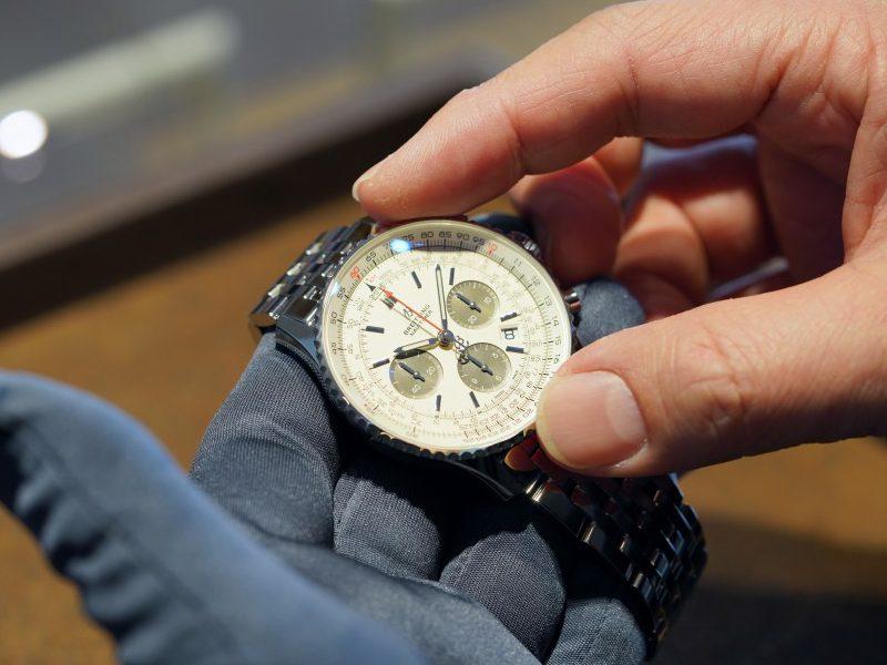 ブライトリング ブティック 大阪の副店長が選ぶフェア期間中のオススメ時計はナビタイマー!-NAVITIMER