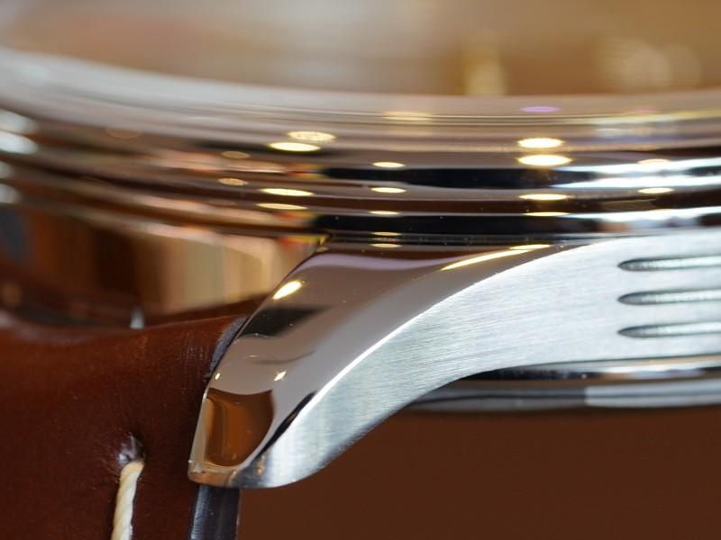 シンプルなデザインの中に工夫を織り交ぜた「プレミエ」より、日付も曜日もわかる「プレミエ オートマチック デイデイト 40」-PREMIER