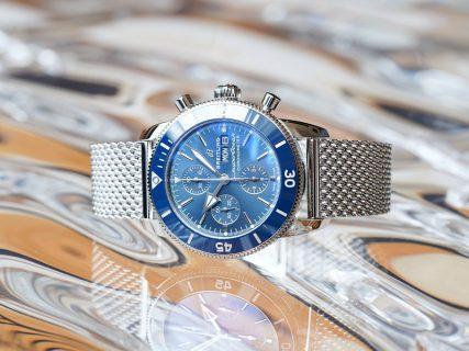 綺麗なブルーのカラーリングが素敵なダイバーズウォッチ!スーパーオーシャン ヘリテージⅡ