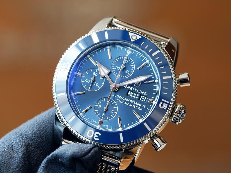 綺麗なブルーのカラーリングが素敵なダイバーズウォッチ!スーパーオーシャン ヘリテージⅡ-スーパーオーシャン