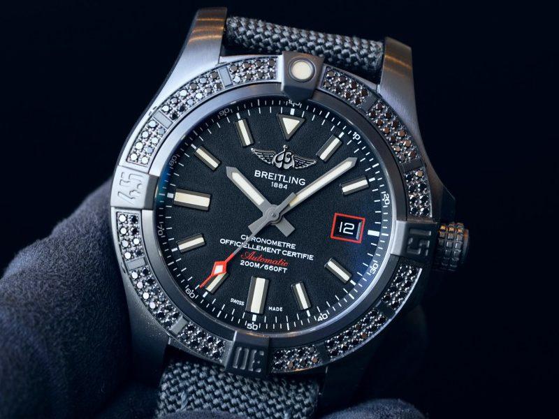 ブラックダイヤが輝く、特別仕様の黒いミリタリーウォッチ!アベンジャー ブラックバード-AVENGER