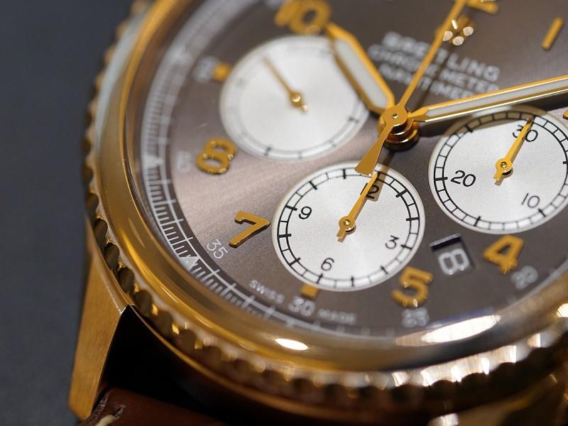 レッドゴールド×ブラウンの柔らかい雰囲気が素敵「アビエイター8 B01 クロノグラフ 43」-AVIATOR 8