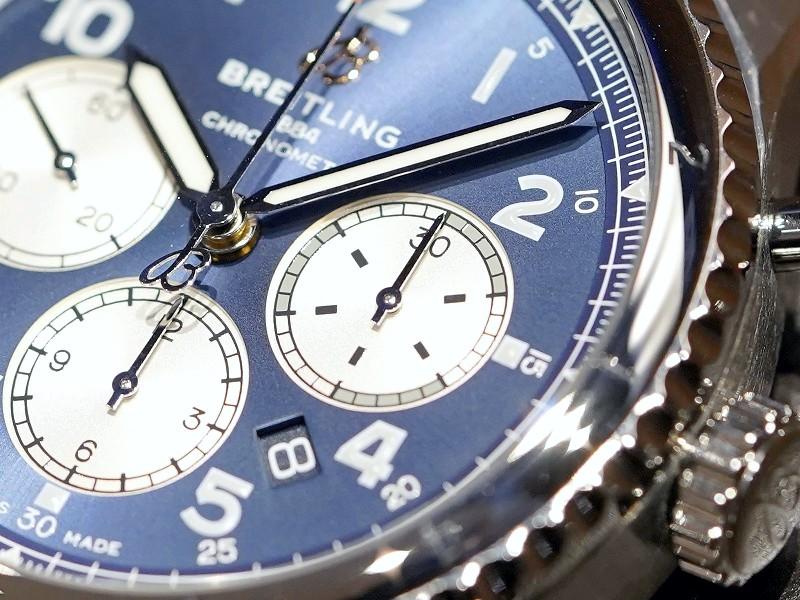 落ち着いたブルー文字盤とレトロなデザインがシックなパイロット  ウォッチ「アビエーター8 B01 クロノグラフ 43」-AVIATOR 8