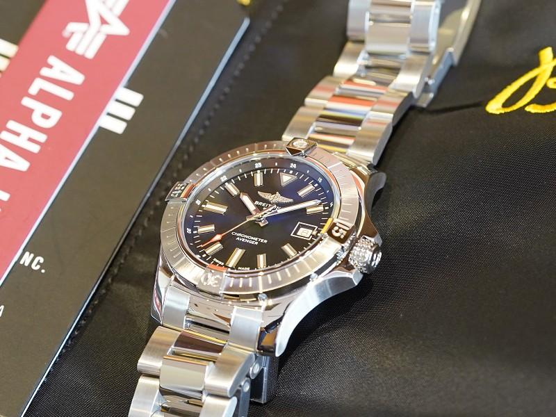 コスパの高い機械式時計であるシンプルデザインのアベンジャー!-AVENGER