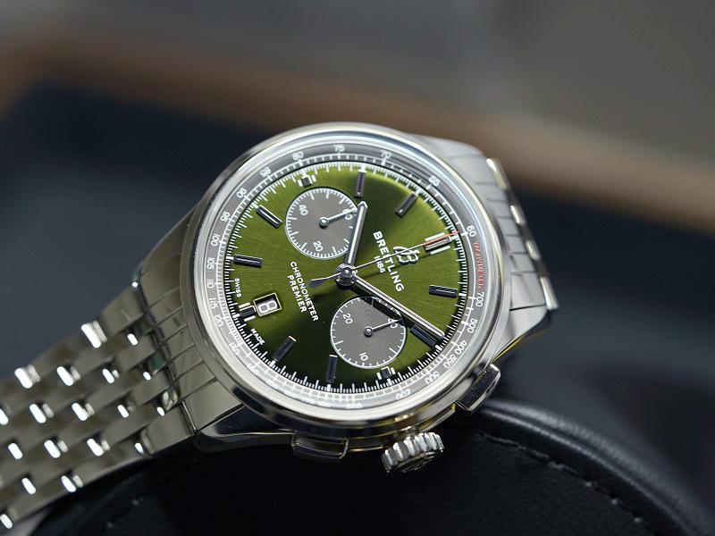 深みのあるグリーンと優美なデザインが絶妙な雰囲気を演出するクラシカルクロノ!「プレミエ B01 クロノグラフ 42」-プレミエ