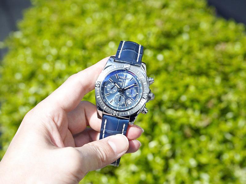 ブルーで統一した爽やかな印象のスポーツモデル「クロノマット JSP」-CHRONOMAT