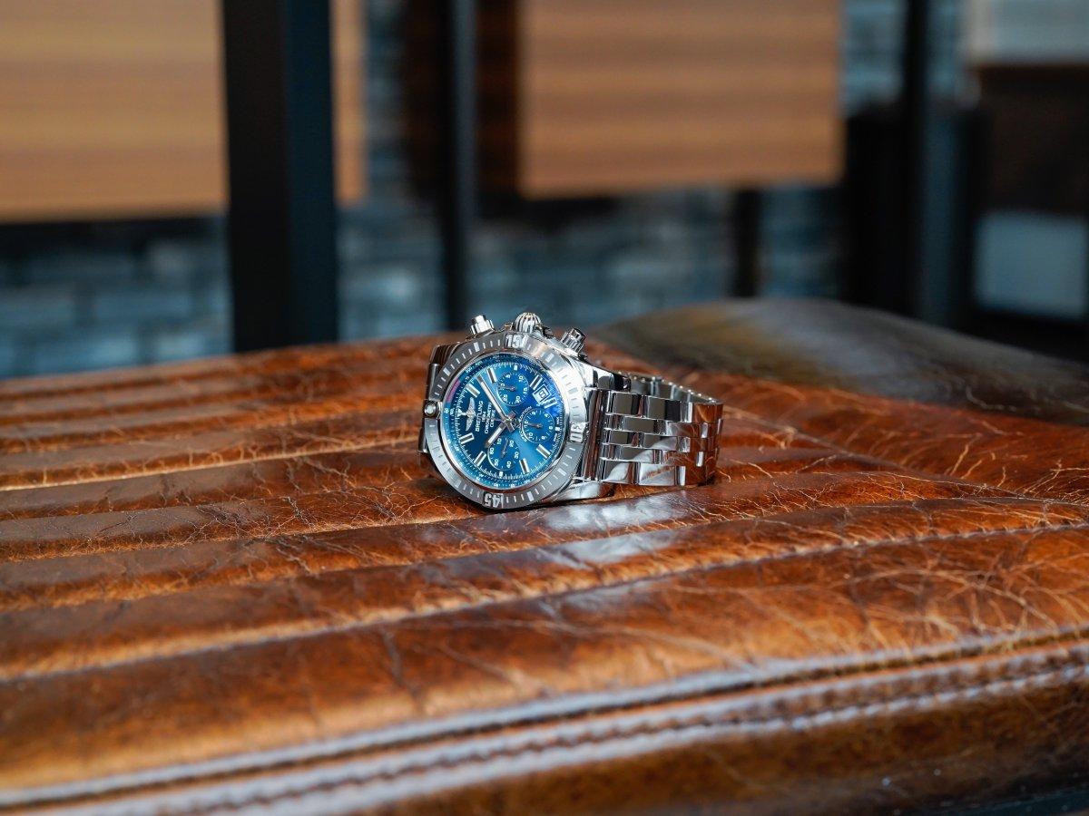 美しいブルーダイヤルが魅力的な「クロノマット JSP」-CHRONOMAT