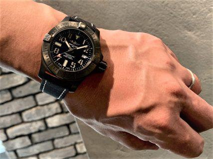 深海の潜水艦の名を持った防水3000mの腕時計「アベンジャー オートマチック 45 シーウルフ ナイトミッション」