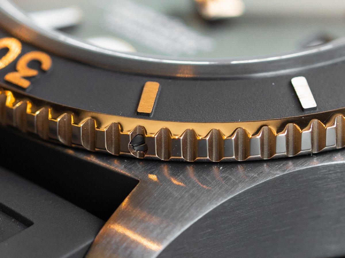 ブラック×ゴールドの組み合わせがカッコいいダイバーズウォッチ!スーパーオーシャン オートマチック 46-SUPEROCEAN