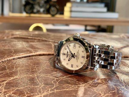 ブライトリングの大人らしくお洒落な女性用の時計「ギャラクティック 29 スリークT」