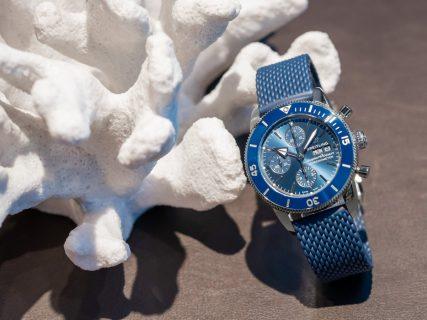 海洋のスタイルを体現したエレガントデザインのダイバーズウォッチ