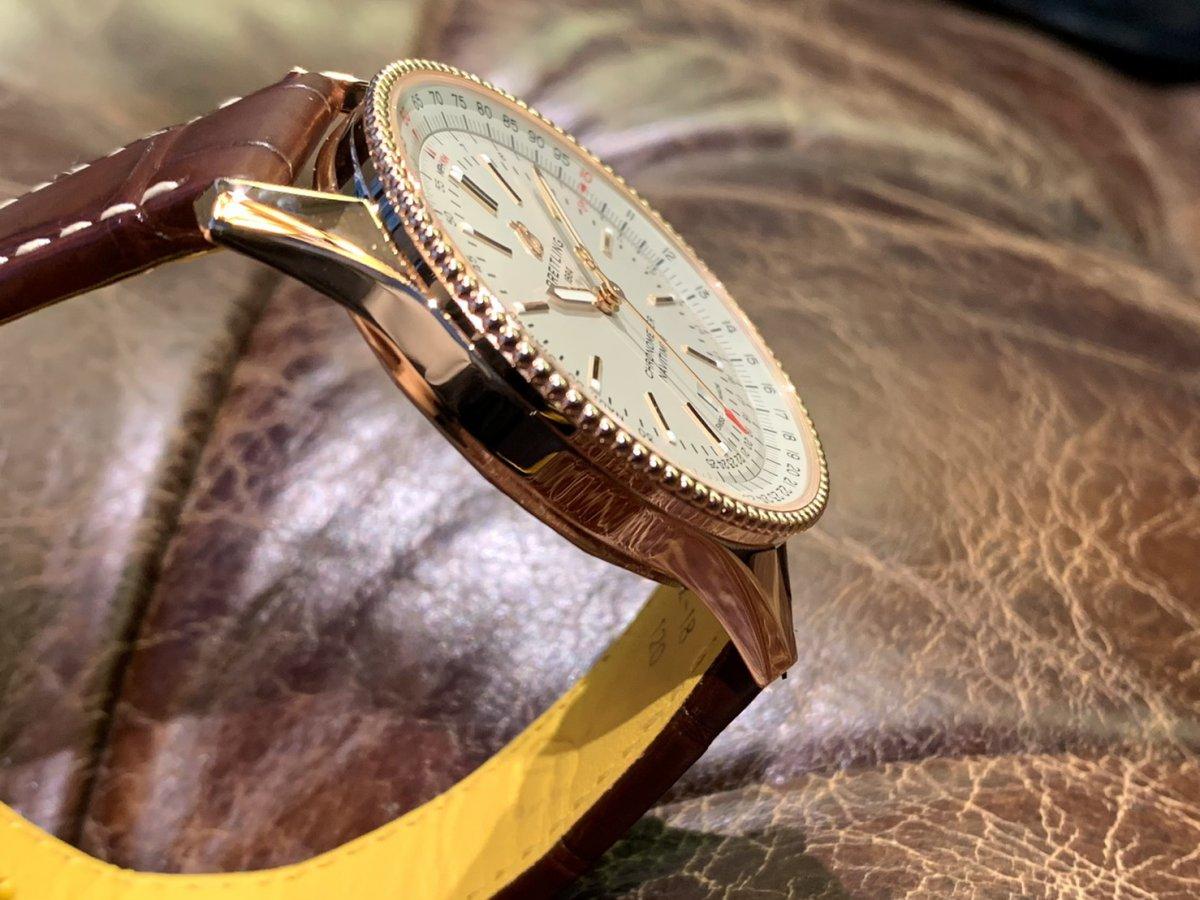 レッドゴールドが高級感を演出するブティック限定モデル「ナビタイマー オートマチック 41」-ナビタイマー