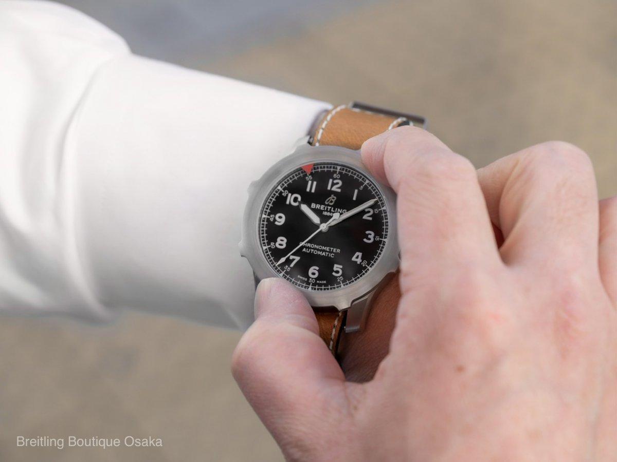 独創的なベゼルを採用した唯一無二のパイロットパイロットウォッチ「アビエイタースーパー 8 オートマチック 46」-アビエイター 8