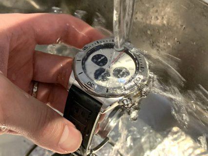 腕時計の「防水性」について。スタッフ時計で検証も!